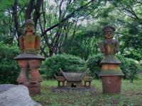 hibiya-park-clay-figures.jpg